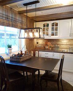 no Decor, Furniture, Table, Home Decor, Kitchen