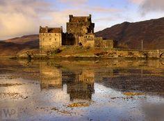 Eilean Donan Castle - by Wolfy Pics Eilean Donan, Monument Valley, Scotland, Medieval, Nature, Knights, Travel, Castles, Naturaleza