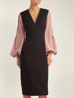 Eryn crepe midi dress | Roksanda | MATCHESFASHION.COM UK Modest Fashion Hijab, Fashion Outfits, Women's Fashion, Lawyer Fashion, Fantasy Dress, Roksanda, Dress Hats, Dress Sewing Patterns, Classy Outfits