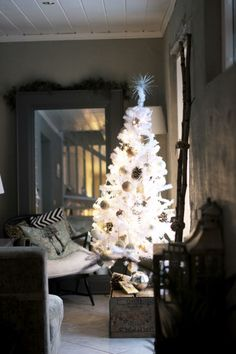 Might revamp the white tree this year with some gold!