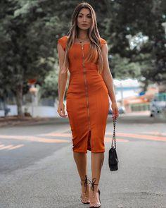 Look Fashion, Girl Fashion, Fashion Outfits, Womens Fashion, Simple Dresses, Casual Dresses, Short Dresses, Casual Office Attire, Corporate Fashion