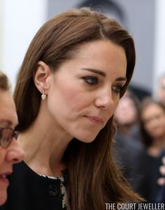 - Kate wore Kiki 'Lauren' Yellow Gold Leaf earrings to embassy to sign book of condolences for Orlando shooting victims Duchess Kate, Duke And Duchess, Duchess Of Cambridge, Prince William And Kate, William Kate, Orlando Shooting, British Monarchy History, House Of Windsor, Pippa Middleton