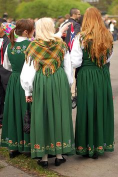 Bunader 17. mai 2010 Folk Costume, Costumes, Bridesmaid Dresses, Wedding Dresses, Norway, Buildings, Landscapes, Culture, Fantasy