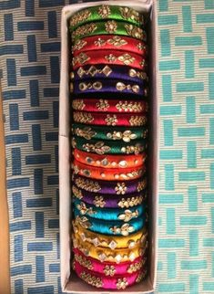 Jewerly unique creative gold new Ideas Silk Thread Jhumkas, Silk Thread Bangles Design, Silk Thread Necklace, Silk Bangles, Bridal Bangles, Thread Jewellery, Beaded Jewelry Patterns, Fabric Jewelry, Thread Art