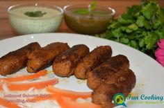 Mutton/beef mince kebabs made with mixing mince with spices very delicate and awesome taste. Healthy Ramadan Recipes, La Eats, Kebab Recipes, Indian Snacks, Kebabs, Skewers, Easy Food To Make, Fun Cooking, Tandoori Chicken