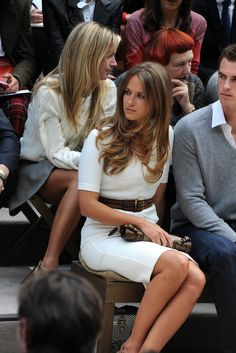 Kim Sears Front Row at Burberry Prorsum Hair colour Kim Murray, Hair Color For Women, Burberry Prorsum, Professional Women, Look Chic, Bellisima, Girl Crushes, Office Outfits, Hair Colors