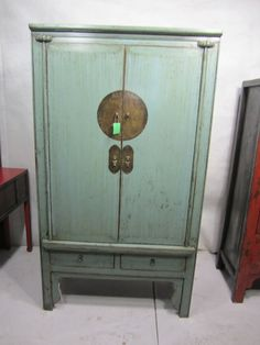 armario chino verde envejecido