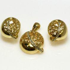 Stylowy komplet pozłacanej biżuterii: http://sklepmarcodiamanti.pl/produkt/zw-18-k-zloty-komplet-k524/