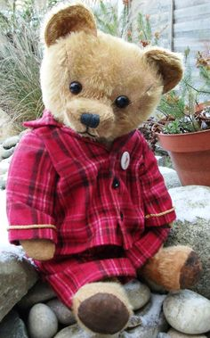 Later Vintage Bears 2 1940 onwards #06