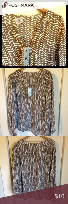 NWT Worthington 2x top Lightweight fabric.  Colors are dark tan and cream.  Great for work! Worthington Tops Blouses