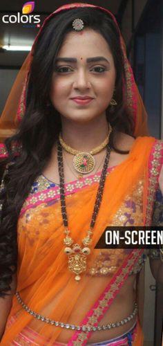 Bollywood Outfits, Bollywood Fashion, Beautiful Bollywood Actress, Beautiful Actresses, Tejaswi Prakash, Rajputi Dress, Elegant Saree, Beautiful Saree, Beautiful Bride