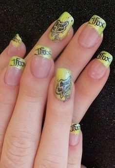 Sooo want these Fox Racing nails <333