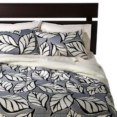 Room Essentials® Leaf Comforter - Black  Guest room?