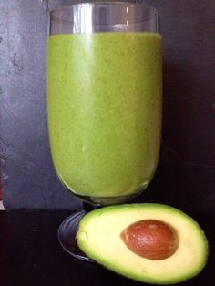 Today's post-workout #greensmoothie is an avocado special - I now like avocado by including them in smoothies/salads and I know that it will be helping my arthritis, so it's a win! Oh, and it's darn tasty and refreshing even if I do say so myself   RECIPE (serves 2): 1/2 avocado 1 cup frozen mango 1/2 cup frozen pineapple 1 lime, peeled 1 large handful spinach 330ml coconut water  1 Tbsp chia seeds  Hope you like it!