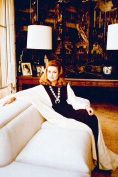 Stacey decorated five homes over 28 years for Grace Kelly. Here, Princess Grace lounges in her conservatory-cum-family room at the Palais Princier in Monaco. Image courtesy of Rizzoli. Princesa Grace Kelly, Patricia Kelly, Diana Vreeland, Amazing Grace, The Chic, Style Icons, Camilla, Glamour, Actresses