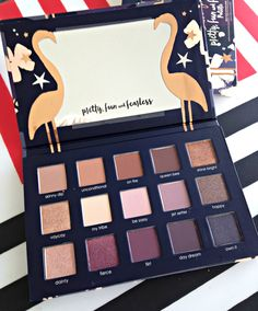 I really wanted this palette when it was released last year with the lipstick and case etc, but ...