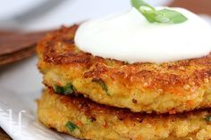 Quinoa burger (with cottage cheese): 2 rounded cups cooked quinoa, 3/4 cup shredded cheddar cheese (or other variety), 1/2 cup low-fat cottage cheese, 1 medium carrot, finely grated (OR 1 cup shredded zucchini, squeezed dry), 3 eggs, 3 tablespoons all purpose flour, 2 green onions, including white parts, 1 /2 teaspoon Splenda or sugar, 1/4 teaspoon black pepper, 1/4 teaspoon ground cumin,   1/8 teaspoon salt, 1/8 teaspoon garlic powder, olive oil for frying. Makes 10 burgers.