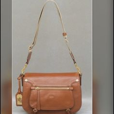✨RALPH LAURN CROSSBODY BAG✨ RALPH LAUREN HUMPHREY CROSSBODY BROWN TAN GENUINE LEATHER SHOULDER BAG. USED ONLY A HANDFUL OF TIMES. THE BAG IS MORE OF A BEAUTY IN PERSON. Lauren Ralph Lauren Bags Crossbody Bags