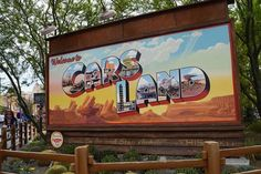 Disney World fan? Here's our guide to Disneyland just for you! #disneyland #carsland #disney