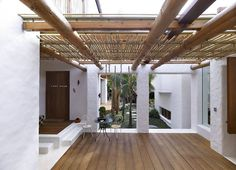Terrace, Bamboo Roof, Beautiful Waterfront Home in Coogee, Australia Outside Living, Outdoor Living, Bamboo Roof, Station Balnéaire, Village Houses, Waterfront Homes, Diy Pergola, Pergola Ideas, Interior And Exterior