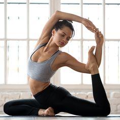 Amazon.com: NIKE Pro Women's Training Tights (Charcoal Heather/Black/Black, X-Small): Sports & Outdoors Pilates Solo, Women's Training Tights, Nike Pro Women, Heather Black, Butt Workout, Yoga, Nike Pros, Fitbit, Health Fitness