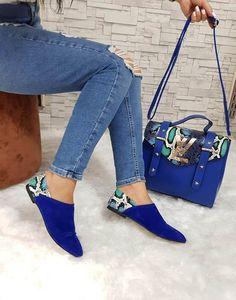 Louis Vuitton in 2020 Fashion Bags, Fashion Shoes, Womens Fashion, Cute Shoes, Me Too Shoes, Shoe Boots, Shoe Bag, Louis Vuitton Handbags, Beautiful Shoes
