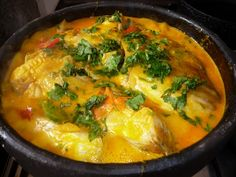 PESCADO EN SALSA DE AZAFRÁN Y LECHE DE COCO Es una recetas muy fácil de preparar,se puede preparar con merluza en rodaja,o alguno pescado que más te guste.