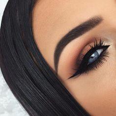 This eyeshadow really compliments her eyes #MakeupTutorialEyeliner Best Eye Makeup Remover, Eye Makeup Tips, Smokey Eye Makeup, Makeup For Brown Eyes, Beauty Makeup, Makeup Ideas, Smoky Eye, Makeup Trends, Makeup Products