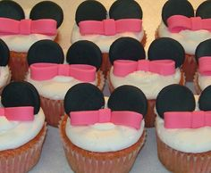 Cupcake cones, bowling pins, Minnie Mouse and Star Wars cupcakes Mini Mouse Cupcakes, Minnie Mouse Cupcake Toppers, Minnie Cupcakes, Minnie Mouse Baby Shower, Fondant Cupcake Toppers, Minnie Mouse Cake, Yummy Cupcakes, Bow Cupcakes, Mickey Cakes