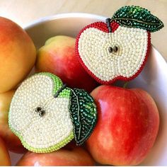 Cute & tiny Apple embroidered brooch (red or green) Bead Embroidery Jewelry, Ribbon Embroidery, Embroidery Designs, Handmade Tags, Brooches Handmade, Handmade Jewelry, Seed Bead Jewelry, Bead Jewellery, Beaded Jewelry