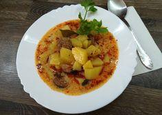 Tejfölös burgonya leves recept foto Thai Red Curry, Eggs, Breakfast, Ethnic Recipes, Food, Red Peppers, Morning Coffee, Essen, Egg