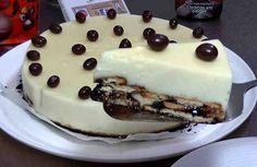 Con esta receta veremos cómo hacer una deliciosa tarta fría de chocolate blanco. Es una rica tarta SIN HORNO muy fácil y rápida de preparar con la que sorprenderéis a vuestros invitados. Podéis prepararla el día anterior y reservarla en el frigorífico. Es una tarta ideal para cualquier ocasión y