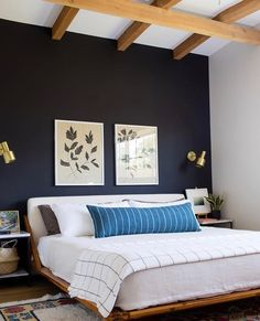 Budget Ideas for Decorating a Large Master Bedroom Wall Bedroom Color Schemes, Bedroom Colors, Home Decor Bedroom, Modern Bedroom, Bedroom Ideas, Quirky Bedroom, Contemporary Bedroom, Accent Wall Bedroom, Blue Accent Walls