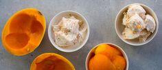 Kermainen, täyteläinen ja raikas jäätelö vain muutamalla raaka-aineella! Katso maidoton herkkujäätelö Kahvia & Kasvisruokaa blogista. www.kahviajakasvisruokaa.fi