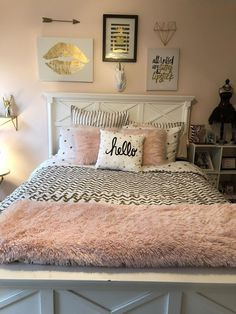 Teenage Room Decor (White, Gold, Rouge Pink) # youth room decor - Sweet Home - Bedroom Decor Teenage Room Decor, Teen Decor, Pink Bedroom Decor, Living Room Decor, Warm Bedroom, Teen Bedroom Colors, White Bedroom, Gold Teen Bedroom, Blush And Gold Bedroom