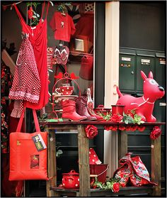 The place to shop when you're in the mood for red! Amsterdam, the Netherlands