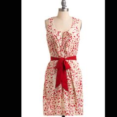 I am in love with this dress! I love the bow!