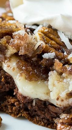 German Chocolate Upside-Down Cake German Chocolate Upside Down Cake is a very quick and easy cake to make using a box of German Chocolate cake mix. - German Chocolate Upside Down Cake. German Chocolate Cake Mix, Upside Down German Chocolate Cake Recipe, German Chocolate Cheesecake, Easy Cakes To Make, Quick Cake, Coconut Dessert, Cake Recipes, Dessert Recipes, Chocolate Desserts