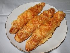 Käsestangerl Best Bread Recipe, Bread Recipes, Bakery Cakes, Catering, Sausage, Buffet, Toast, Food And Drink, Rolls