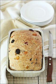 Barmbrack or Speckled Bread (Báirín Breac) – Irish Halloween Fruit Bread/ Cake