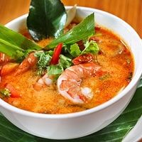 Low FODMAP and Gluten Free Recipe - Tom yum soup with lime and white fish… Healthy Dinner Recipes, Soup Recipes, Cooking Recipes, Best Thai Dishes, Eat Thai, Fodmap Recipes, Asian Cooking, Low Fodmap, Fish Dishes