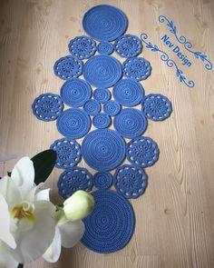 Crochet Home Decor, Crochet Art, Crochet Motif, Crochet Crafts, Hand Crochet, Crochet Table Runner, Crochet Tablecloth, Crochet Wrap Pattern, Crochet Patterns