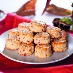 Túrós-sonkás pogácsa Recept képpel - Mindmegette.hu - Receptek Hungarian Cuisine, Pretzel Bites, Baked Potato, Potato Salad, Bakery, Muffin, Potatoes, Bread, Breakfast
