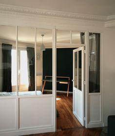 zoom verrière intérieur bois séparant la chambre