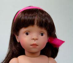 Sylvia-Natterer-White-Balloon-Doll-Brunette-13-inch-vinyl-girl-with-pink-ribbon
