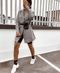 Hiding all cute outfits under teddy coats until further notice 🐻Wearing Veronica Vizzini Short Outfits, Chic Outfits, Spring Outfits, Trendy Outfits, Fashion Outfits, Fashion Trends, Blazer Outfits, Fashion Killa, Look Fashion