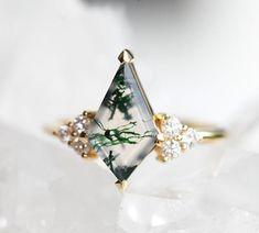 Dream Engagement Rings, Alternative Engagement Rings, Engagement Ring Settings, Agate Ring, Moss Agate, Agate Stone, Salt And Pepper Diamond, Pretty Rings, Stone Rings
