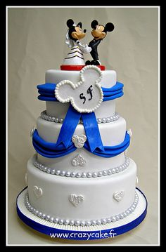 Mickey and Minnie wedding cake- Become a VIB today for more great wedding resources and deals from our VIB Vendors Fondant Cakes, Cupcake Cakes, Cupcakes, Crazy Cakes, Fancy Cakes, Unique Cakes, Creative Cakes, Amazing Wedding Cakes, Amazing Cakes