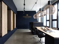 Blue back wall with grays, golds, blacks Workspace Design, Office Workspace, Corporate Interiors, Office Interiors, Contemporary Interior Design, Office Interior Design, Leasing Office, Office Lobby, Office Inspo