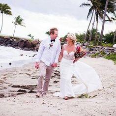 Real Zavana Bride Emily's @emilyj_lynch beach wedding in Fiji looks absolutely picture perfect for your destination wedding!  Congratulations again Emily! xx  #zavana #zavanabride #zavanabridal #fiji #destinationwedding #bride #bridetobe #bridal #bridalsupplier #realbride #realewedding #love #happilyeverafter #bridalfashion #bridalstyle #bridesdiary #theknot #onefineday #sayyestothedress #ido #wedding #weddingdress #gowns #modernbride #modernwedding #pictureperfect